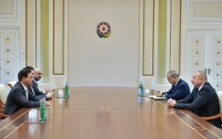 President Ilham Aliyev received delegation led by UAE minister of economy