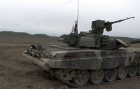 The combat readiness of tank crews is inspecting
